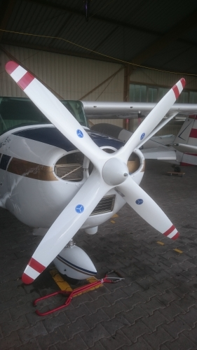 Hoffmann 4-Blatt Propeller
