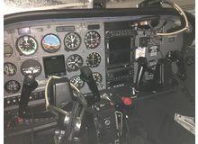 Cessna - 172 Skyhawk - C172R