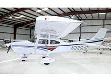 Cessna - 182 Skylane  - S  /  N330JD
