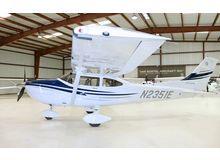 Cessna - 182 Skylane  - T  /  N2351E