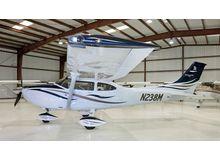 Cessna - 182 Skylane  - T  /  N238M
