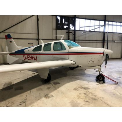 Beechcraft - Bonanza E33 -