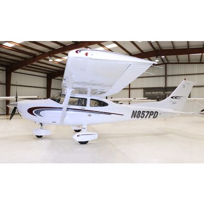 Cessna - 182 Skylane  - S  /  N857PD