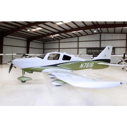 Cessna - T240 TTx  - N7818