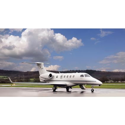 Embraer - Phenom 300  -